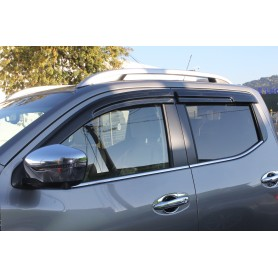 Window deflectors for double cabin