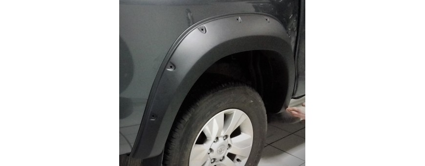 Elargisseurs Toyota Hilux
